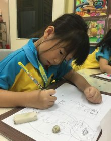 6 Years Old girl is Drawing